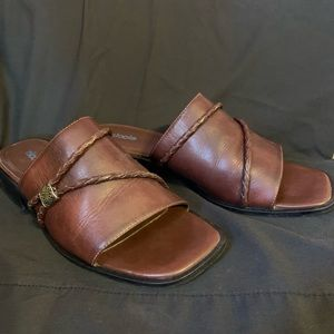 Nicole leather shoes size 9 m slip on small heel